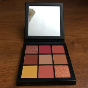 Huda Beauty Coral Obsessions Mini Palette